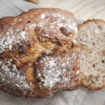 Pane croccante al farro e noci