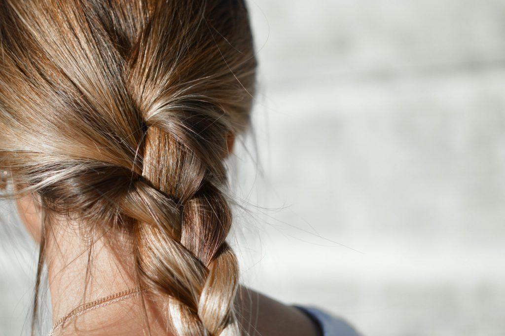 Caduta dei capelli: 5 semplici modi per prevenirne la caduta