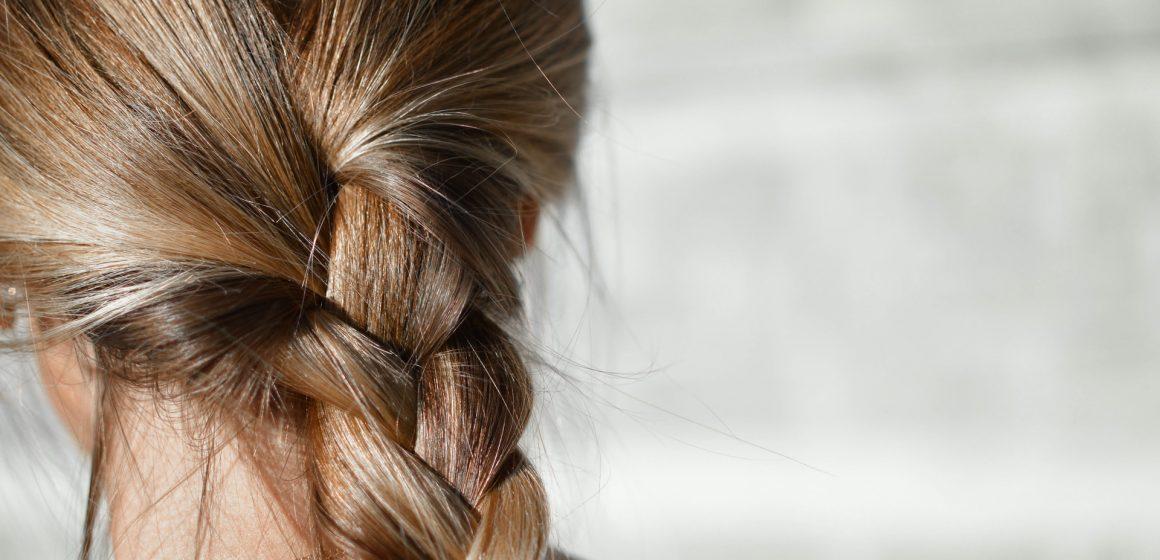 Caduta dei capelli: i rimedi casalinghi