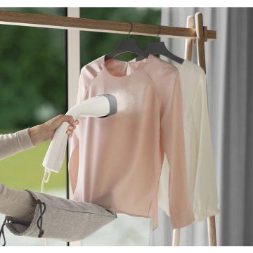Mai più abiti stropicciati con Refine 700: lo stiratore verticale