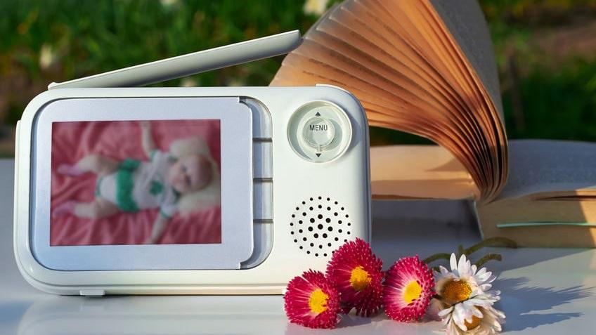 Baby monitor: come prevenire gli attacchi cyber